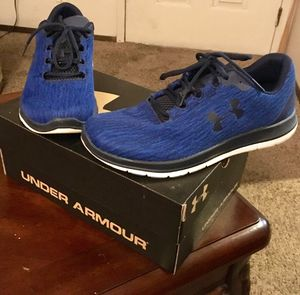 Men's Under Armour Shoes (Sz 10) W/Box for Sale in Wichita, KS