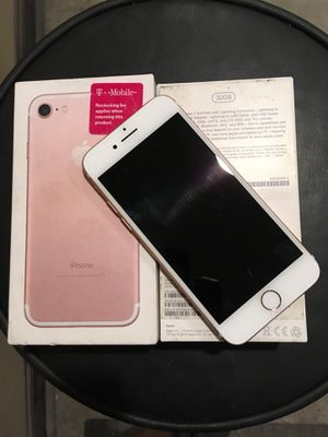 iphome 7 rose gold used less than 2 weeks $525 obo cash gets it for Sale in Charlotte, NC