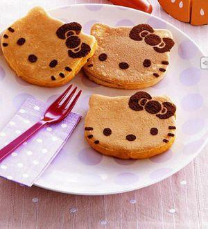 Hello kitty mini pancake maker for Sale in Pumpkin Center, CA