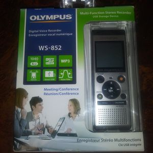 WS -852 OLYMPUS DIGITAL VOICE RECORDER for Sale in Katy, TX