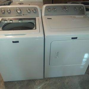 Maytag Bravos Washer & Dryer Set Like New for Sale in Petersburg, VA