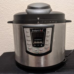 Instant Pot 10-Cup, 8 Functions + Manual, Good Condition (Irvine) for Sale in Irvine, CA