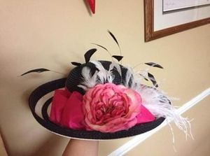 Black, white and pink derby hat for Sale in Louisville, KY