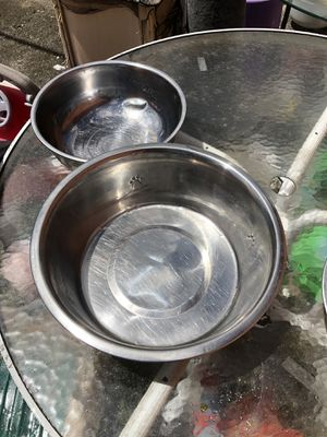 Two Dog blows one really big for water & one medium size for food both $ 20.00 Only the big one was $ 25 alone for Sale in Miami, FL