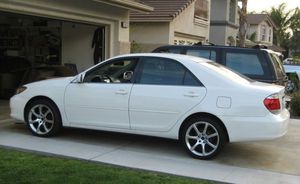 2005 toyota camry excellent condition for Sale in Grand Rapids, MI