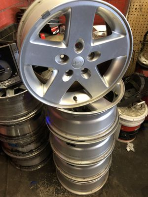 """17"""" jeep wheels for Sale in Tampa, FL"""