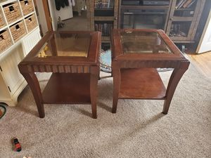 Free 2 end tables for Sale in Longmont, CO