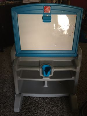 Kids desk for Sale in Perris, CA