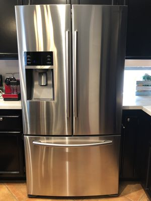 Samsung 22-cu ft Counter-Depth French Door Refrigerator with Ice Maker (Stainless Steel) for Sale in Santa Ana, CA