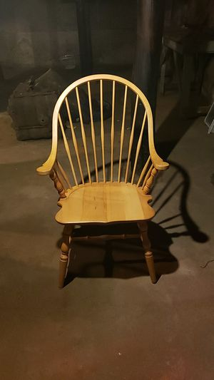 Maple captain s chair for Sale in Warwick, RI