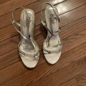 Silver Heeled Shoes - Size 8 for Sale in Mount Laurel Township, NJ
