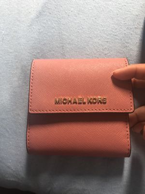 Small pink Michael Kors wallet for Sale in Columbus, OH