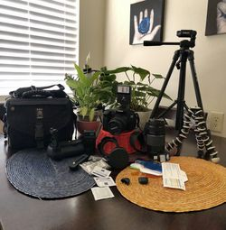 CANON EOS 60D CAMERA BUNDLE for Sale in San Bruno,  CA