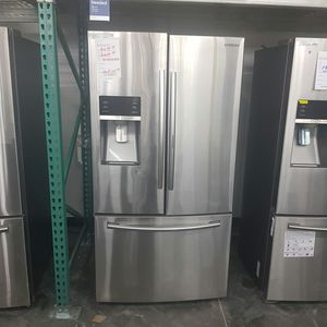 Stainless 28cu Refrigerator Bottom Freezer for Sale in Chino Hills, CA