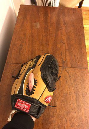 Baseball glove for Sale in Philadelphia, PA