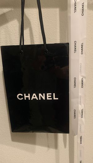 CHANEL BLACK GIFT SHOPPING BAG AND (2) WHITE RIBBON PIECES Like New for Sale in Irvine, CA