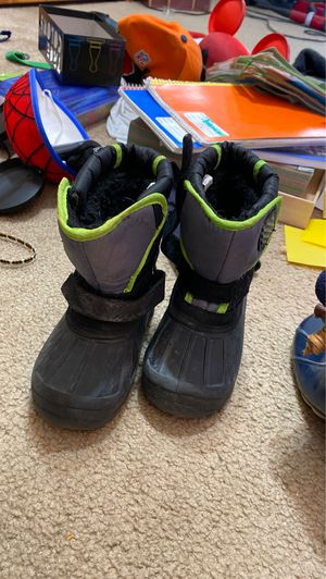 Kids snow boots for Sale in Albuquerque, NM