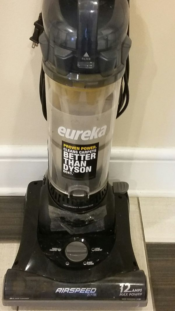 NICE EUREKA 12 AMP BAGLESS VACUUM CLEANER EXCELLENT CONDITION LIKE NEW