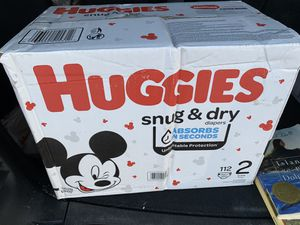 Huggies snug and dry size 2 -112 count for Sale in Las Vegas, NV