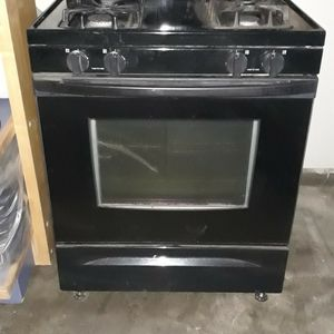 Kitchen Stove All Black for Sale in Ceres, CA