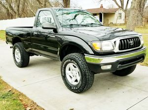 2001 Toyota Tacoma LIKE NEW for Sale in Columbus, OH