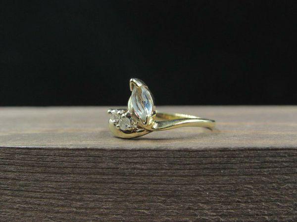 Size 4.25 10K Gold Dainty Aquamarine & Diamonds Band Ring Vintage Estate Wedding Engagement Anniversary Gift Idea Beautiful Elegant Unique