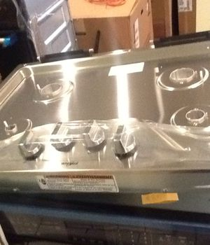 "New open box whirlpool gas 30"" cooktop WCG55US0HS for Sale in Long Beach, CA"