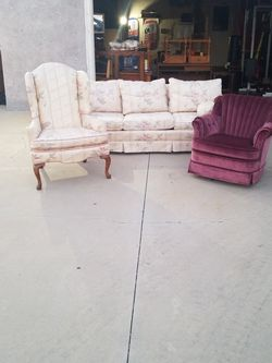Couch 2 Chairs And Table for Sale in Hacienda Heights,  CA