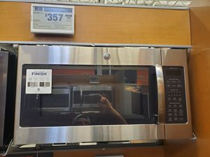 GE Adora over the range Microwave in stainless steel 1.9 cu ft for Sale in El Cajon, CA
