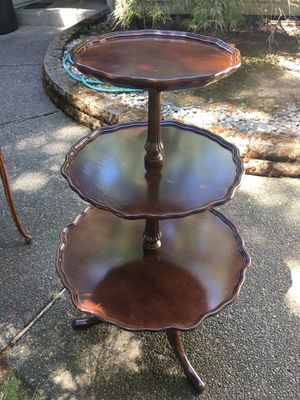 Elegant pie crust 3 tier table. Antique for Sale in Vancouver, WA