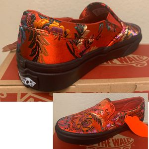 Vans classic slip on - size 5 woman's / girls for Sale in Pomona, CA
