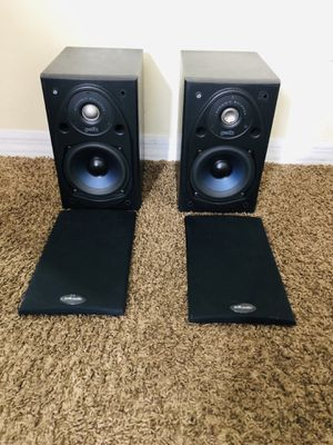 Polk Audio 2-Way Indoor Bookshelf Speaker in Black for Sale in Tampa, FL