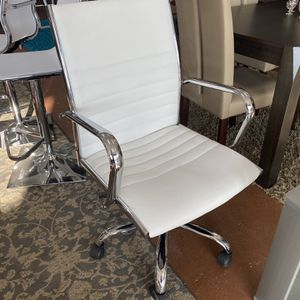 Office Desk Chair for Sale in Chicago, IL