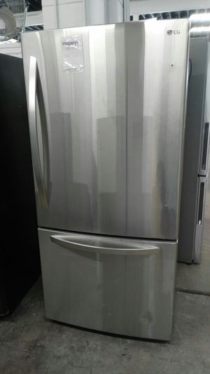 LG Bottom-Freezer Refrigerator for Sale in St. Louis, MO