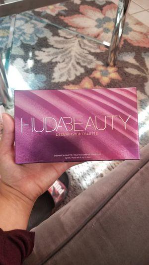 Huda Beauty Desert dusk pallet for Sale in El Paso, TX