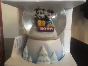 New 2006 Disney Mickey and Minnie Sledding Snowglobe for Sale in Waterford, CA