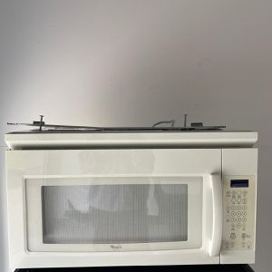 White Microwave Whirlpool for Sale in St. Cloud, FL