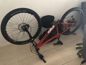 Mountain Bike 27.5 Medium for Sale in Hialeah, FL