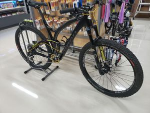 Niner carbon fiber full suspension mountain bike. for Sale in Pompano Beach, FL