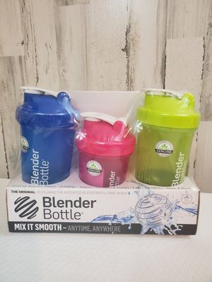 Set Of 3 Blender Bottles. Mix It Smooth Anytime Anywhere . Condition is New for Sale in Tacoma, WA