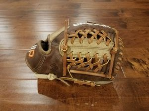 Nokona Alpha Select S-200 baseball glove for Sale in Crown Point, IN