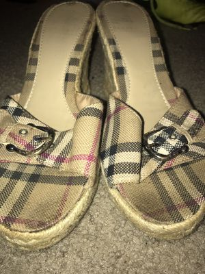 Burberry mid sandals (spring edition) for Sale in College Park, MD