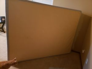 Box spring for Sale in Port Orchard, WA