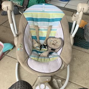 Ingenuity ConvertMe Swing-2-Seat Portable Swing - Moreland missing toy bar but otherwise good condition for Sale in Tarpon Springs, FL
