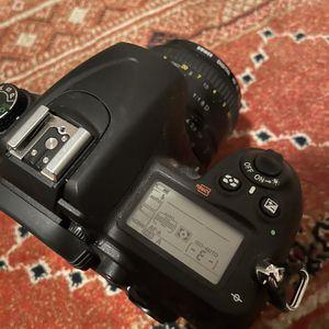 Nikon D7000 for Sale in Auburn, WA