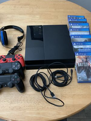 PS4 w/ games, headset, and controllers for Sale in Casselberry, FL