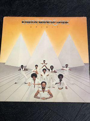 EARTH WIND & FIRE - SPIRIT - VINTAGE VINYL LP for Sale in Apple Valley, CA