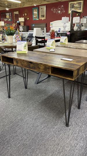 Rustic Brown Office Desk with Metal Rod Legs K62 for Sale in Euless, TX