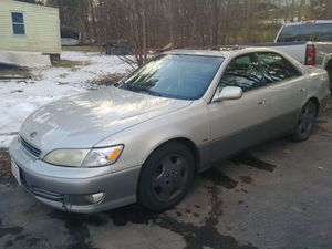 Lexus es300 for Sale in Fitchburg, MA