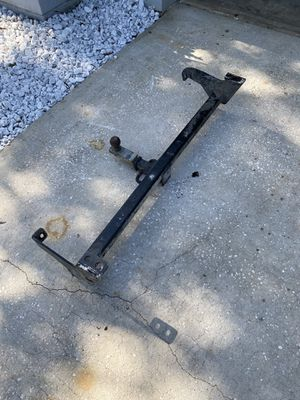 3500 pound hitch and ball fits many different vehicles for Sale in Palm Harbor, FL
